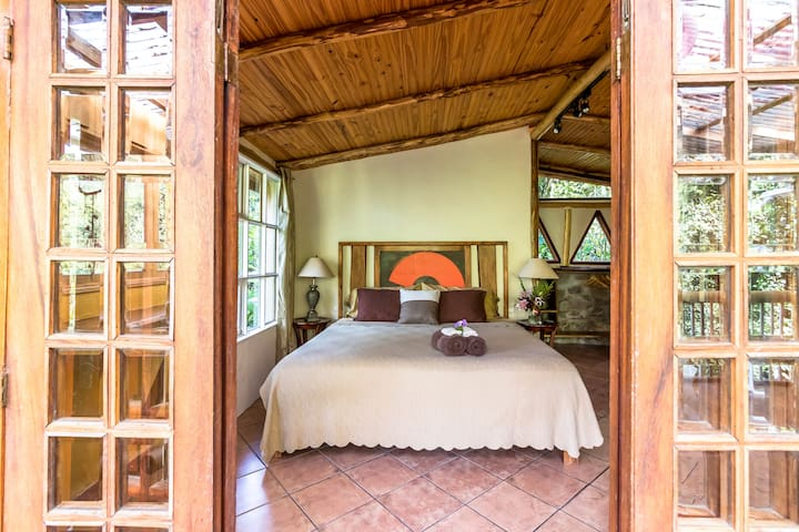 "Honeymoon Cabin at Finca Mia: ""soulful elegance"" - San Isidro de El General"