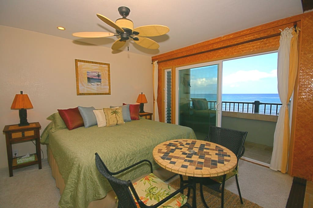 Oceanfront bedroom with king size bed!