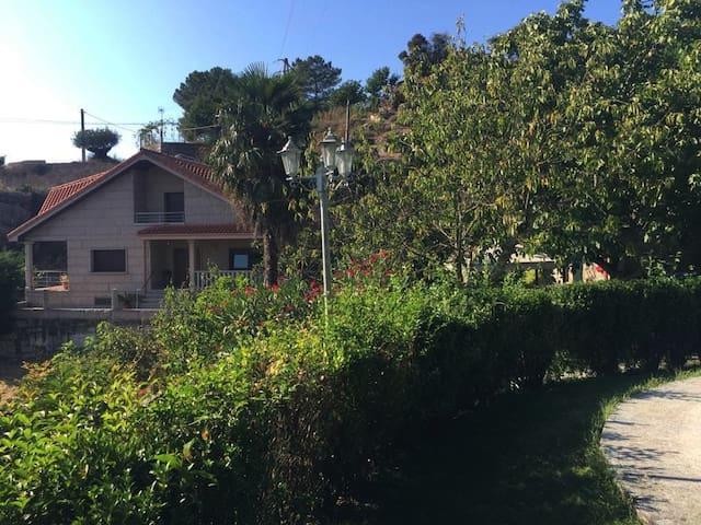 Chalet O Botánico en Ourense ciudad