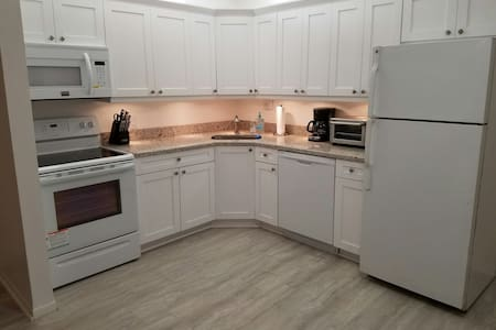 Beautifully renovated apartment - 博因頓海灘(Boynton Beach)