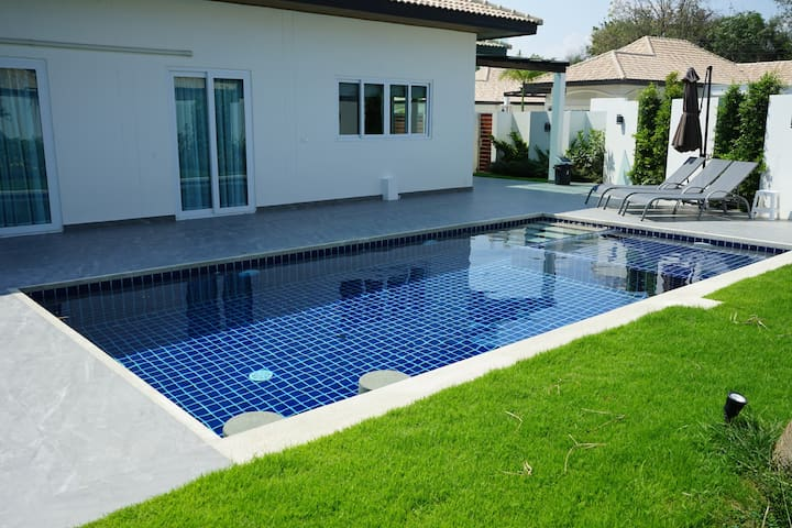 3 bed pool villa in Hua Hin