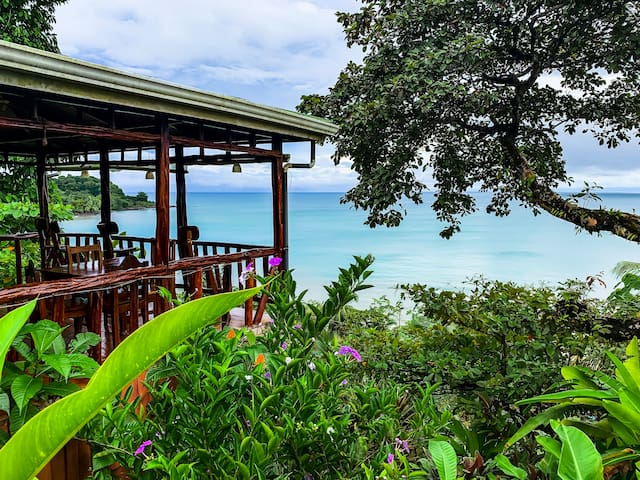 Bungalow with partial sea view - A/C - Drake