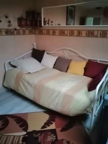 Chambre privée avec petit salon