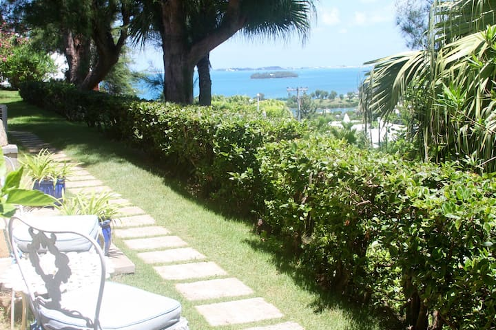 PANATOLA STUDIO- Breathtaking Views-Close to beach