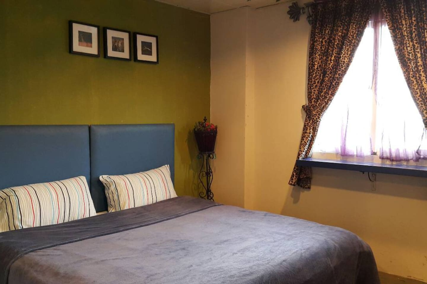 203 Luxury double room(with 1 large double bed)