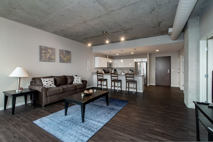 1BR East Bank Retreat