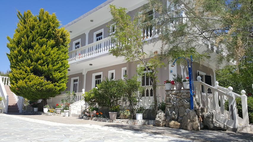 Gorgona Apartments - Lithakia - อพาร์ทเมนท์