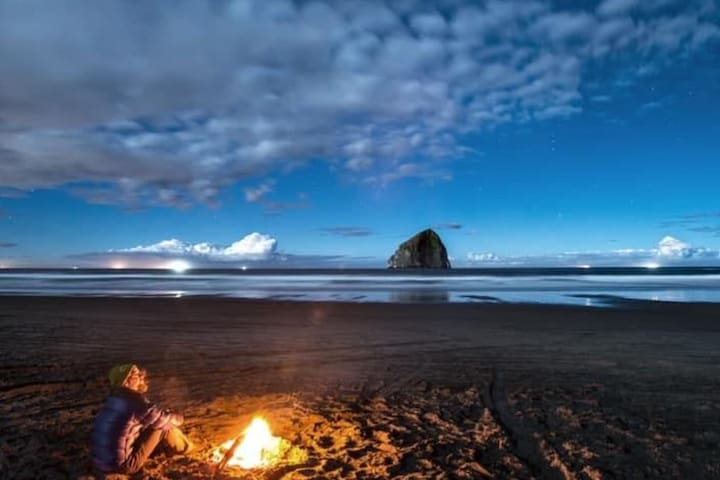 4 Bedroom in the heart of Pacific City, Oregon