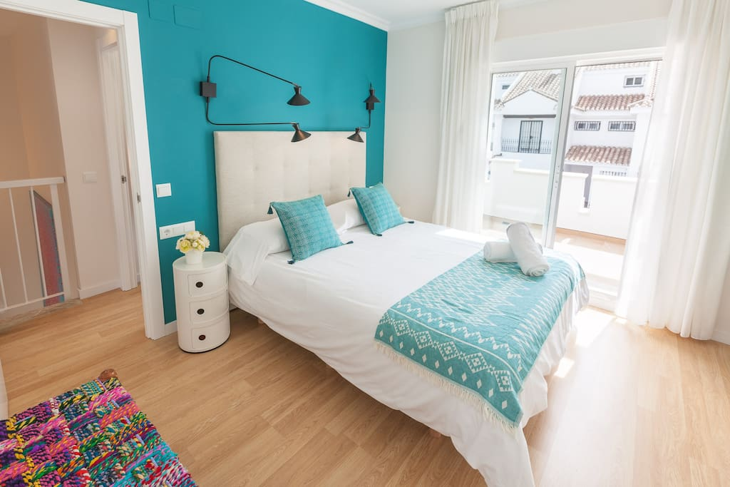 First floor - Master bedroom, 150x200cm bed, ensuite bathroom, its own terrace, ample built-in closet and dressing table.