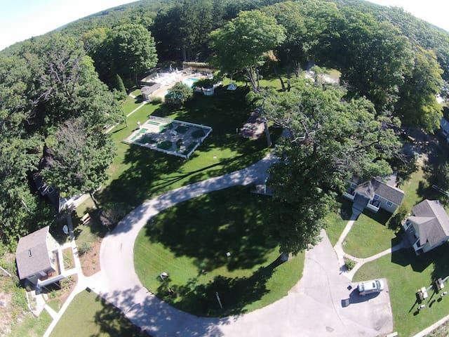 Michillinda Lodge on Lake Michigan