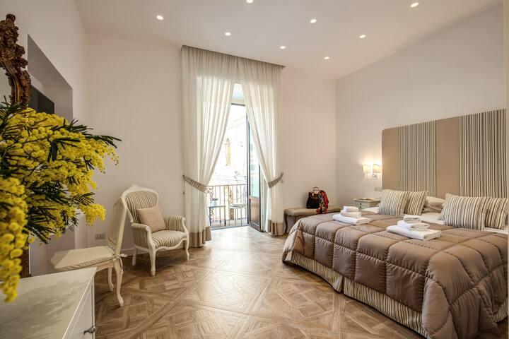 Sorrento Square Suite Ischia