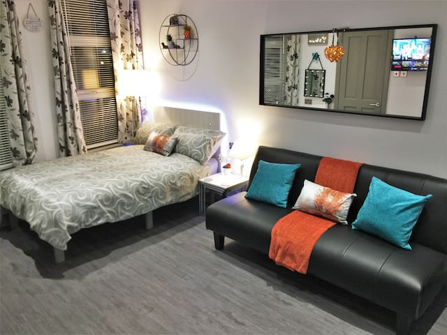 !PERFECT Studio Apartment!! With all you need+more