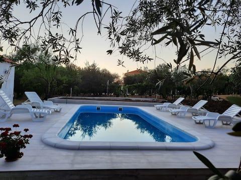 Anastazija 3 with swimming pool