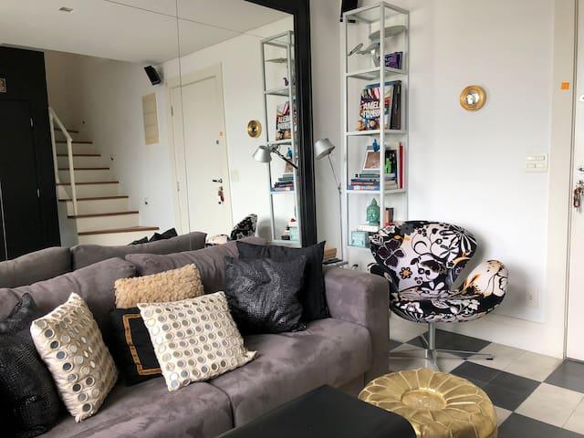 Modern and charming  Loft in Itaim Bibi!