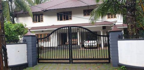 Kadaplackal Residency -Ruby suite