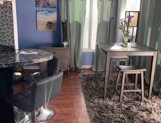 Balboa Peninsula - studio/loft by pier