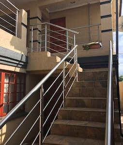 1 room, ensuite bathroom, balcony - House