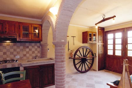 Rural rustic house near Lucca-ALL INCLUSIVE - Pescaglia - Rumah