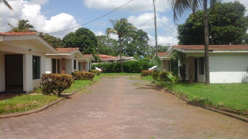 Apartamentos con excelente ubicación - Managua - Pis