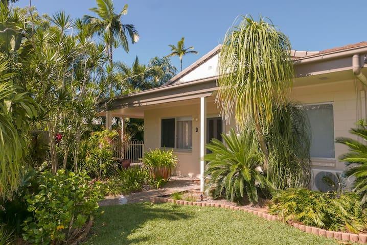 Warner Lodge-Tropical Retreat - F/F with S/Pool