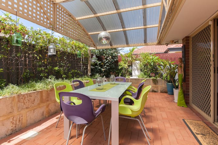 Fantastic central Perth location - Victoria Park - Casa
