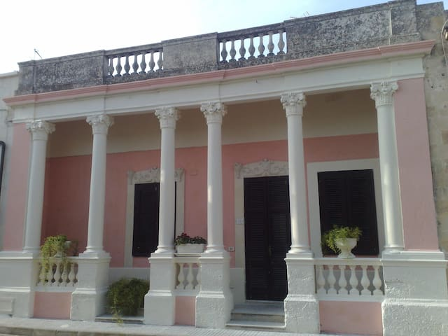 Il Tempio di Paola - Lizzanello - House