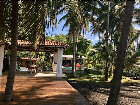 Casa Blanca - Beachfront house