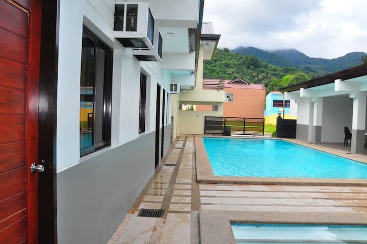 Hot Spring Private Resort Villa 1 in Laguna