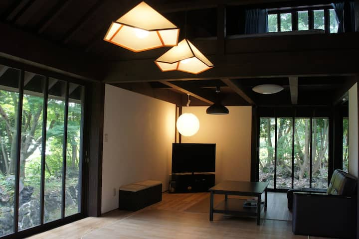 3BR house in Izu. Enjoy seafood, and local beach!
