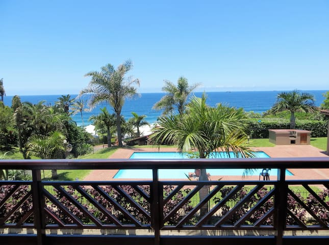 Sea Views close to the Beach, Restuarants & Shops - Umdloti - House