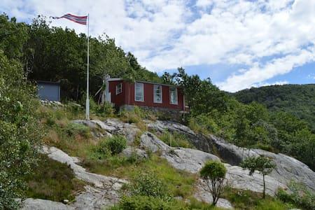 Norwegian cabin, 180 degree panoramic fjord view - Sandnes - Blockhütte