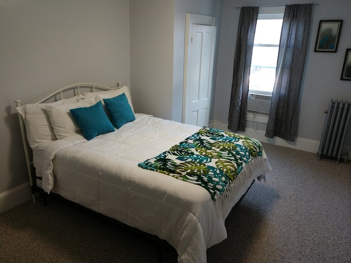 Two Bedroom Apartment with Full Kitchen Recently update apartment located within walking distance of the entertainment district of Honesdale