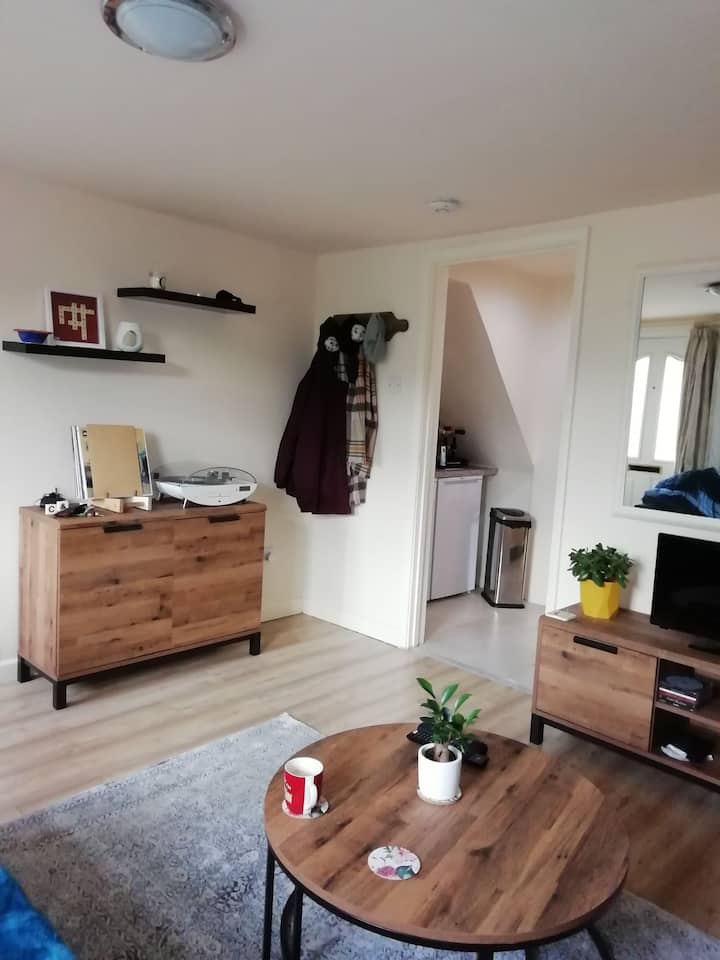 Cosy single room in St Neots town centre