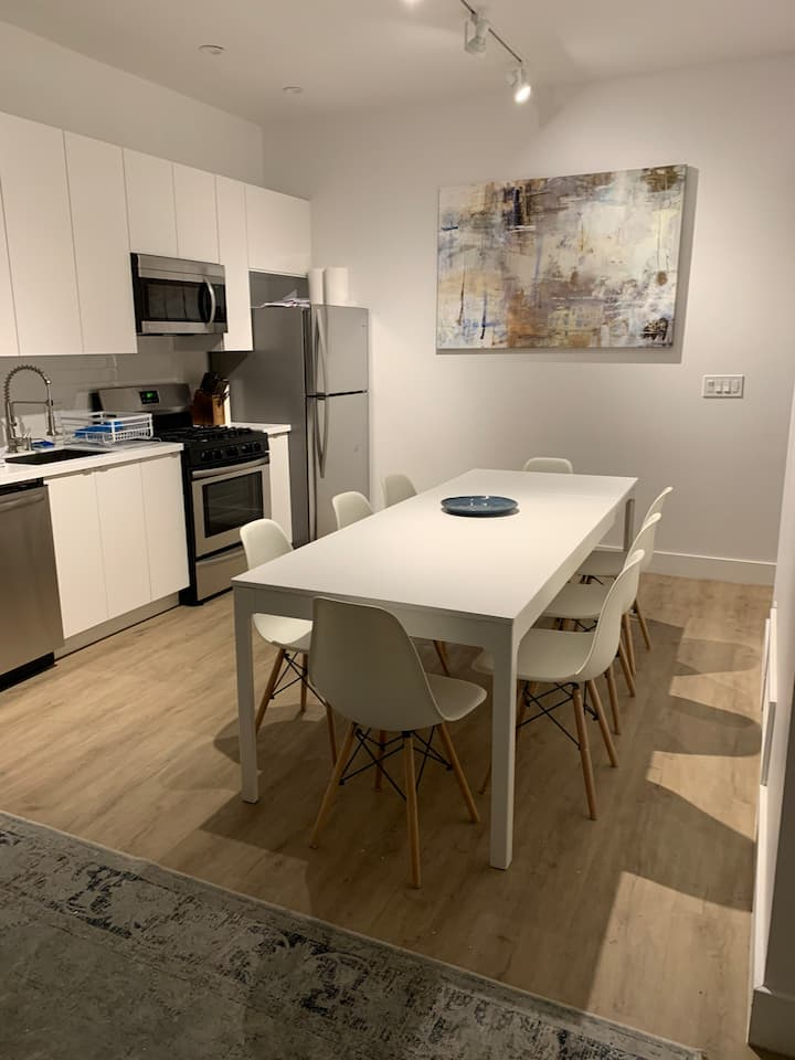 Modern 3 bed Apartment close to Capitol Hill