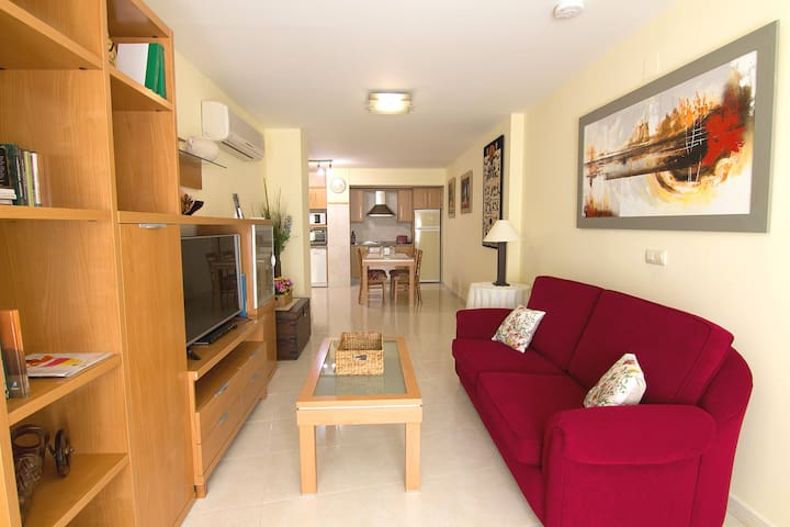 Comfort and best town centre location +Parking opt