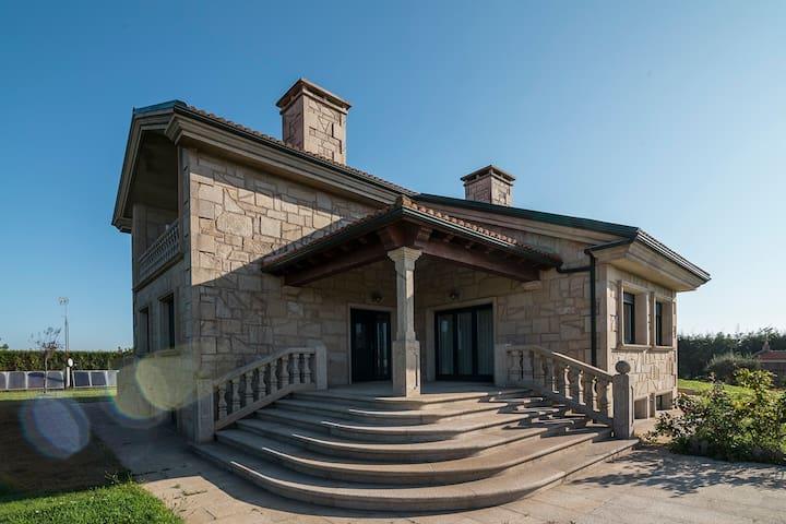 Casa cercana a Santiago - La Coruña - Dom