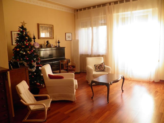 Equipped and quiet flat near the centre - Lucca - Wohnung