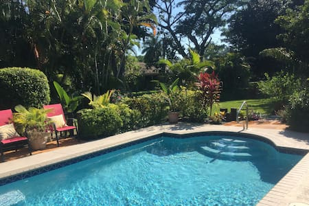 Pool home on McGregor - Fort Myers - Hus