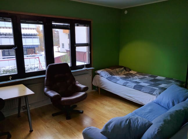 Nice room in Kista Centrum - Estocolm - Pis