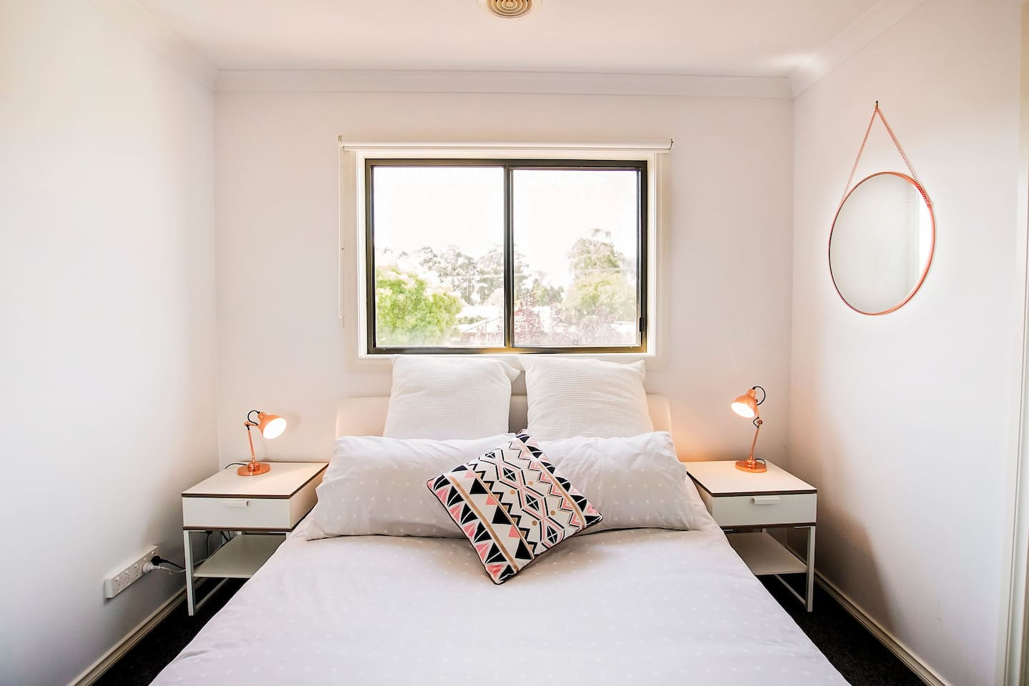 Echuca Moama Holiday Accommodation Free continental breakfast, 12pm checkout, 500m from main street, family friendly, carport, salt pool, BBQ, free wifi, Sheridan linen, Netflix, smart TV, iron, fridge/freezer, board game, ensuites. www. emha .com.au