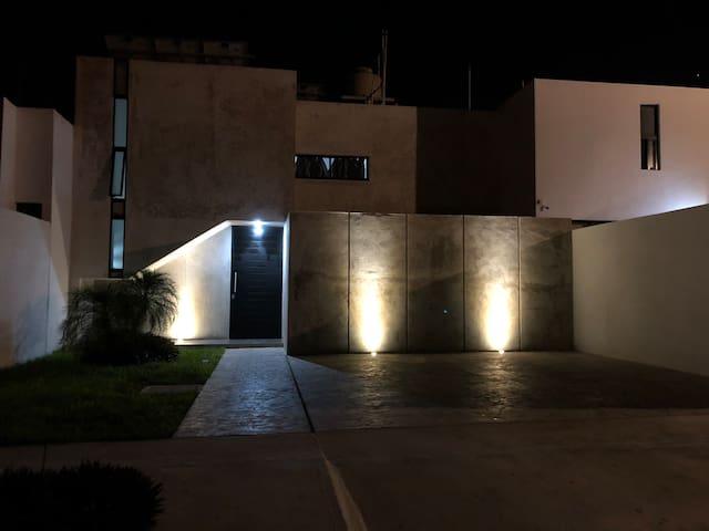 Casa Krizyad (1-5 huéspedes ) Cholul Yucatan