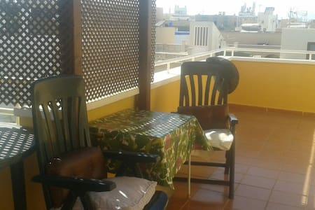 Apartamento  playa con  terraza - Cabo de Gata - Byt
