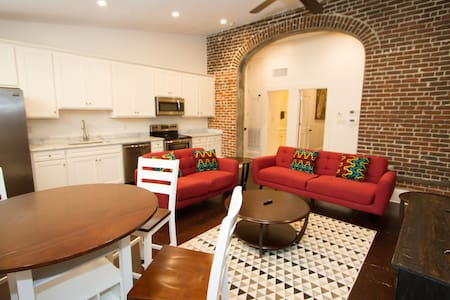 Lovely French Quarter Apt. in the heart of it all! - New Orleans