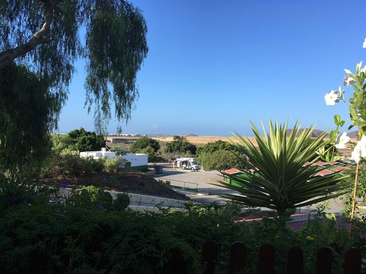 A Sunny,  Bespoke, Spacious, Mobile Home. Tenerife