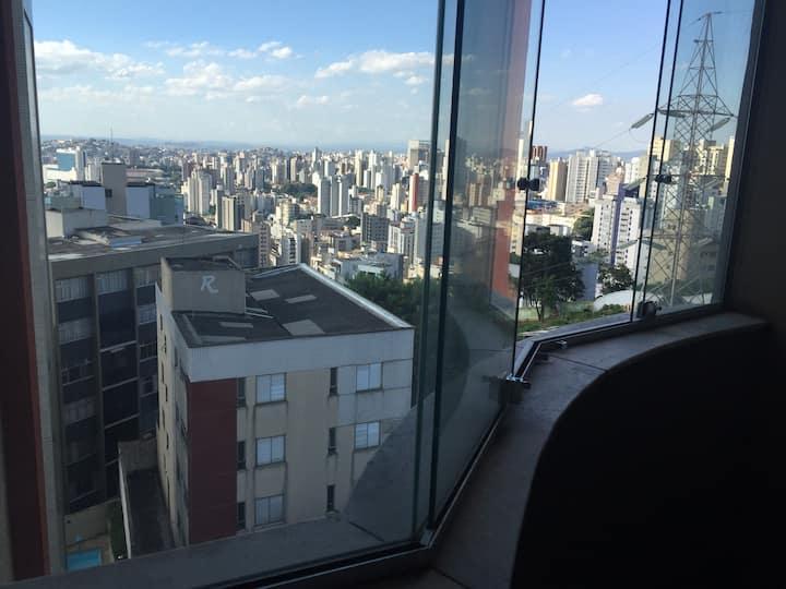 Apto c/varanda, vista panorâmica,B.Gutierrez, 2vgs