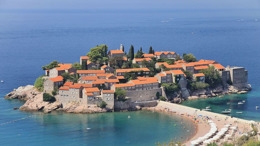 Beautiful luxury apartment sea views, Sveti Stefan - Pržno - Appartamento