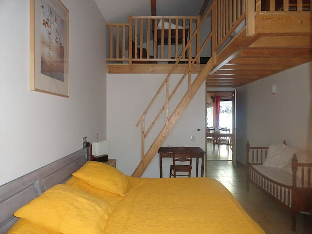 Family Guest House Le Grand Noyer