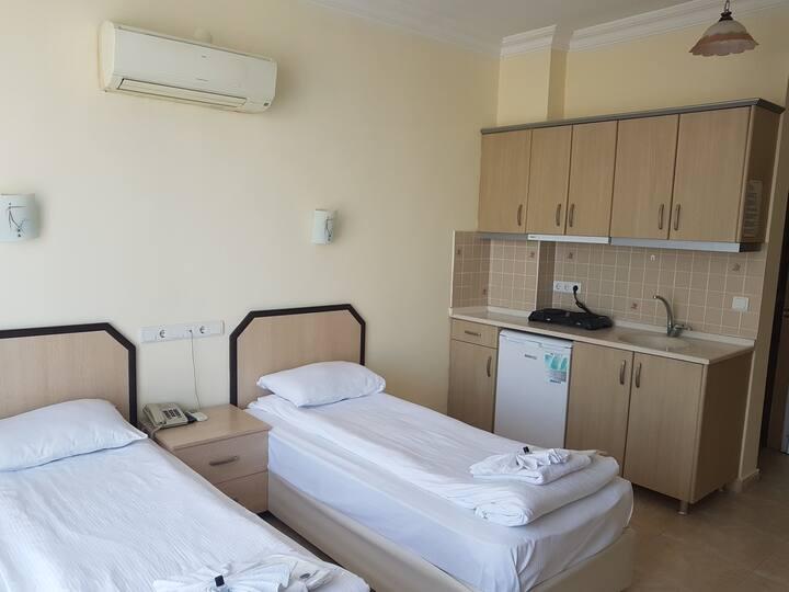 Standart Uc Kisilik Oda - Berraksu Hotel