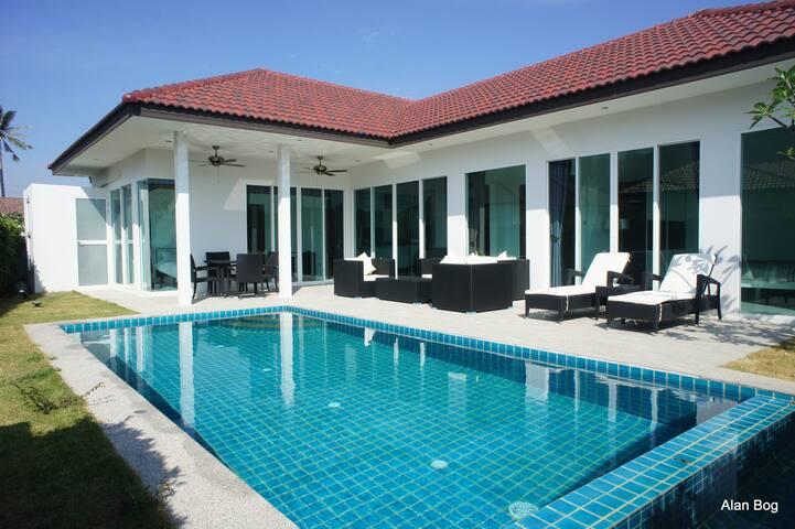 Hua Hin pool villa, close to golf, beaches,city