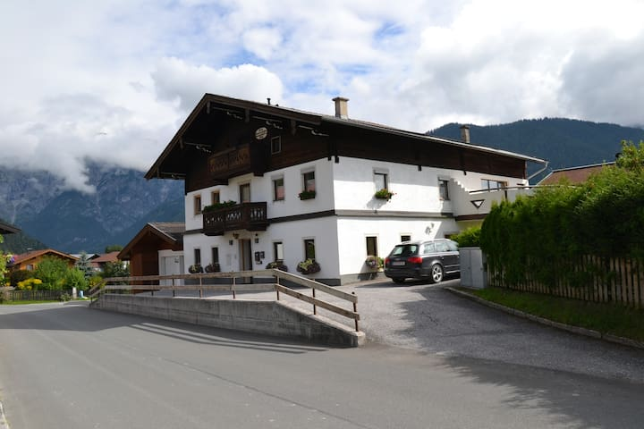 """Blue Apartment"" Haus  Simmerling - Saalfelden - อพาร์ทเมนท์"